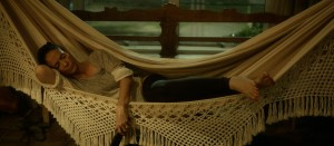 Clara ( Sonia Braga ) dans la douceur bientôt compromise de son appartement
