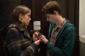 Jenny ( Adéle Haenel)  et Julien ( Olivier Bonnaud )