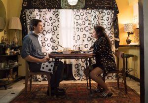 Paterson (Adam Driver ) et Laura ( Golshifteh Farahani) , dans leur sweet home