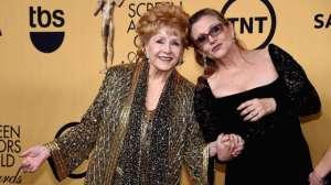 Mère ( Debbie Reynolds) et fille ( Carrie Fisher , réunies
