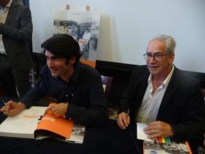 Les deux auteurs à une signature.
