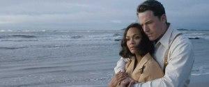 Joe ( Ben Affleck ) et  sa  femme Cubaine ( Zoe  Sladana )