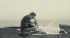 Chet Ethan Hawke ) et Jane ( Carmen Ejogo ) Romance sur la plage