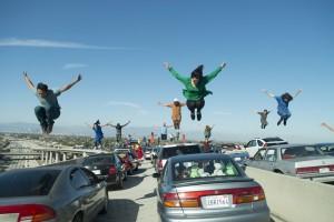 La scène d'ouverture du film sur l'autoroute embouteillée