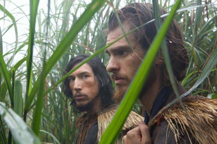 Garupe ( Adam Driver) et Rodrigues ( Andrew Garfield , les prêtre Portuguais a leur arrivée au japon..