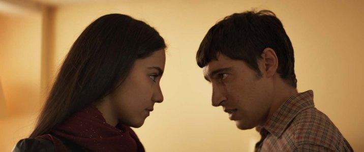Zahira ( Lina El Arabi) et son frère ( Sébastien Houbani )