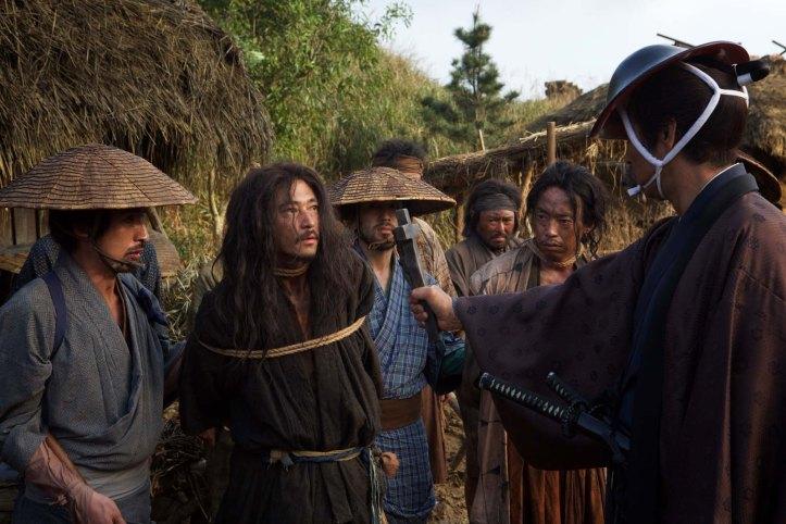 Le guide ( Yosuke Kubozuka ) des prêtes qui ne cessera de renier sa foi et de