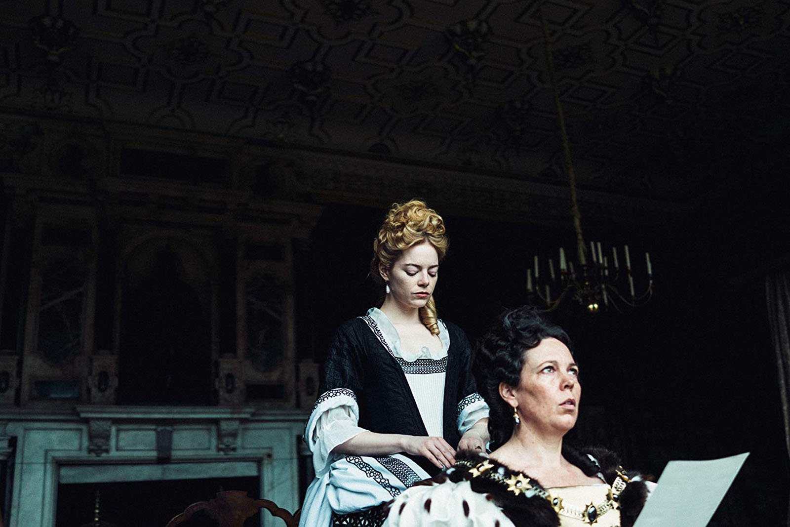 01 - Emma Stone et Olivia Coleman.
